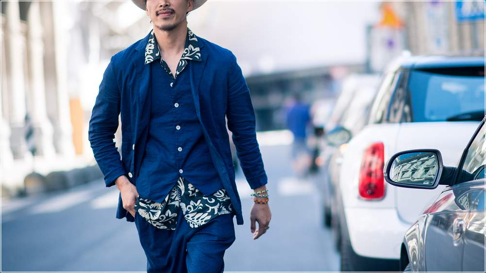 76be5453334 A Gentleman s Guide - How To Add A Hawaiian Shirt To Your Wardrobe ...