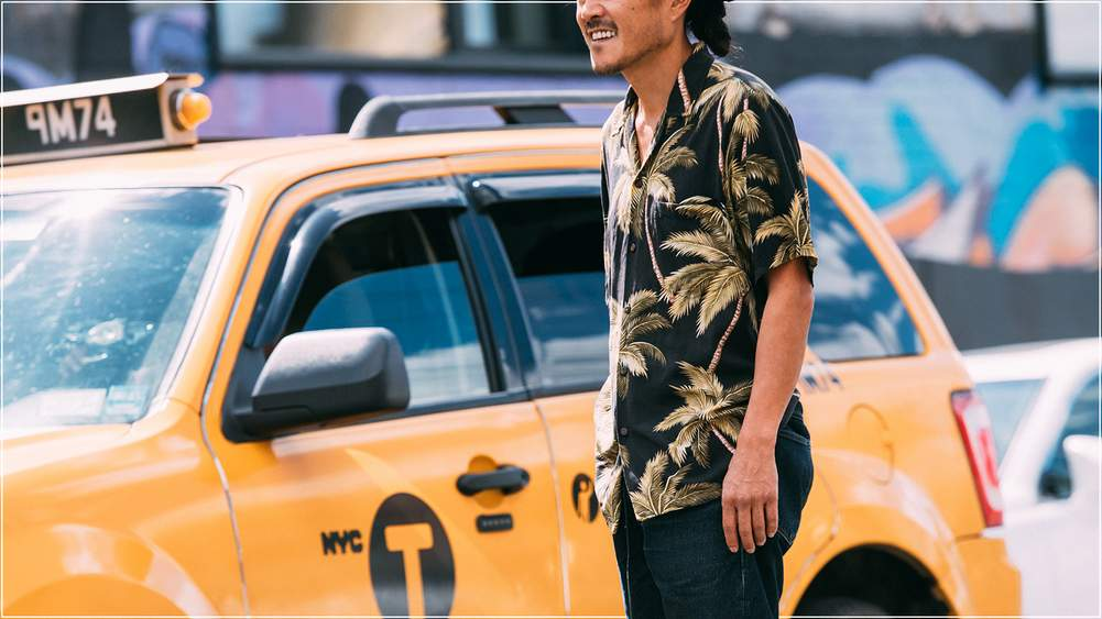 f024d2fa77 How To Add A Hawaiian Shirt To Your Wardrobe | A Gentleman's Guide ...