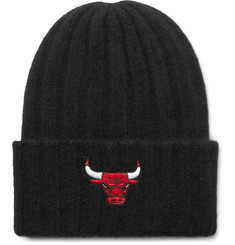 The Elder Statesman - + NBA Chicago Bulls Appliquéd Ribbed Cashmere Beanie