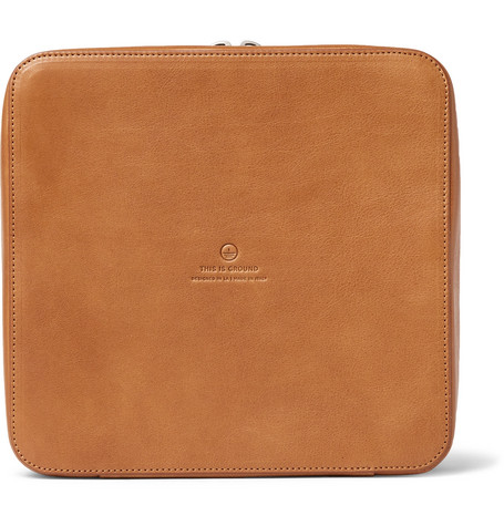 THIS IS GROUND Grande Tech Dopp Kit Leather Travel Organiser in Tan