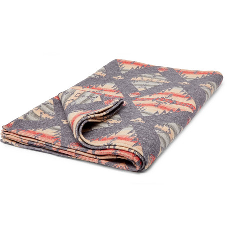 Brushed Organic Cotton Jacquard Blanket by Faherty