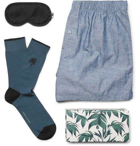 Desmond & Dempsey Top Drawer Essentials Eye Mask, Socks and Boxer Shorts Set