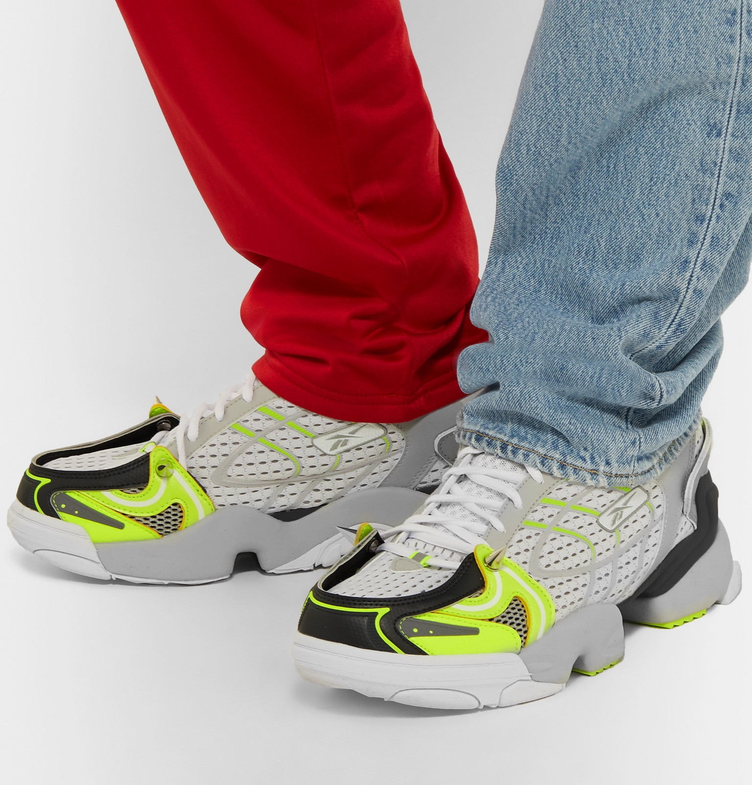 f9803e529399 Vetements - + Reebok Spike Runner 400 Rubber-Trimmed Mesh Sneakers