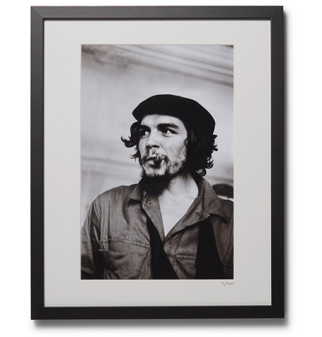 "SONIC EDITIONS Framed 1959 Che Guevara Print, 16"" X 20"" in Black"