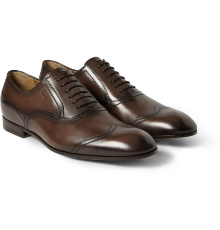 Gucci Burnished Leather Wingtip Oxford Shoes