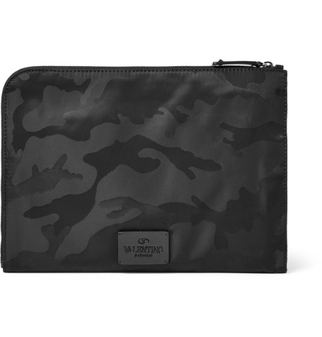 valentino male 188971 valentino camouflageprint canvas pouch black