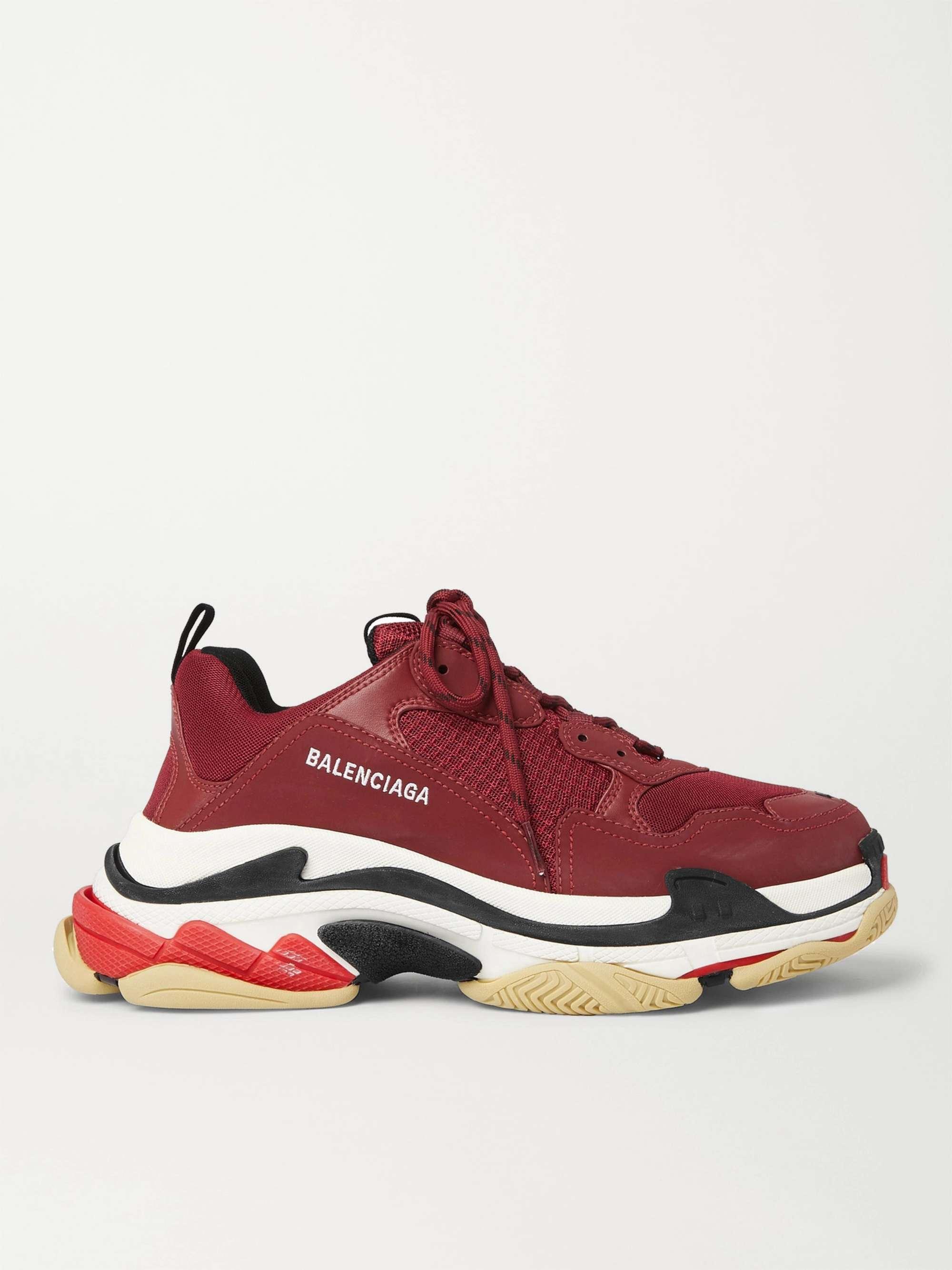 발렌시아가 트리플S 남성용 Balenciaga Triple S Mesh Faux Nubuck and Faux Leather Sneakers,Burgundy
