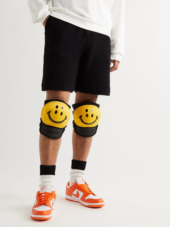 KAPITAL Rain Smiley Printed Knee Pads