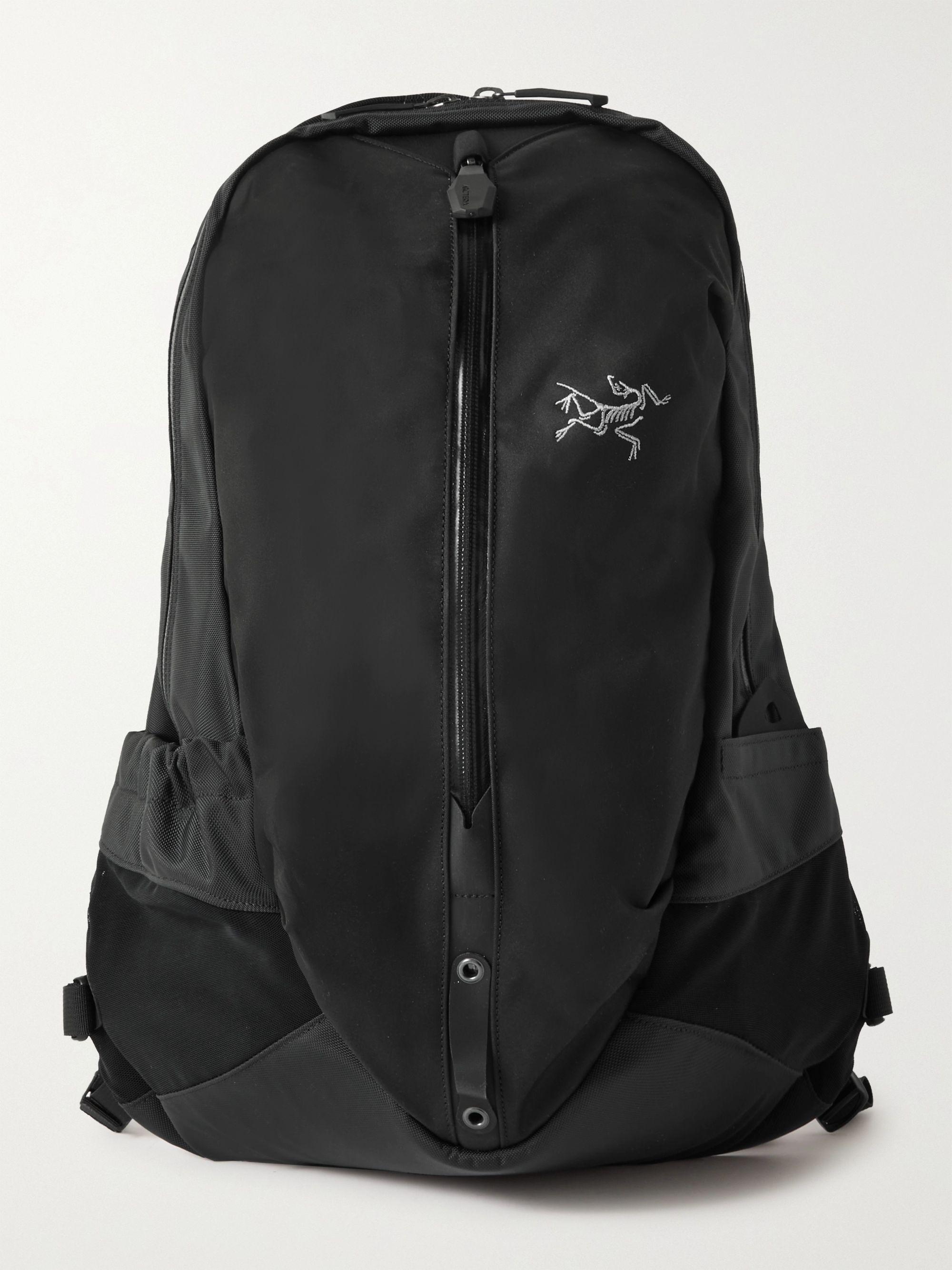 아크테릭스 로고 백팩 ArcTeryx Arro 16 Shell and Ripstop Backpack,Black