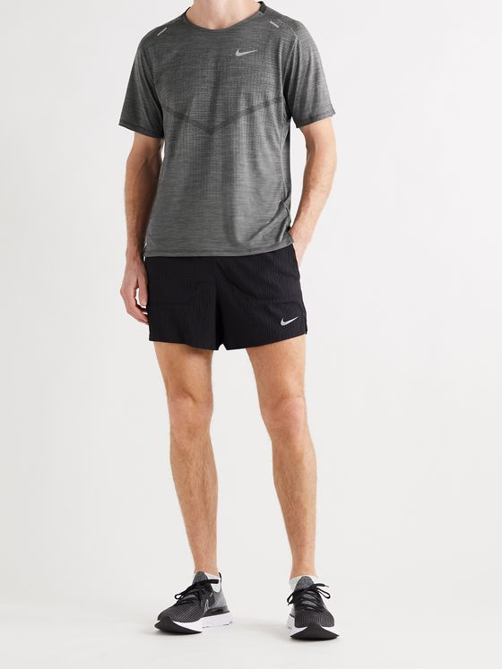 NIKE RUNNING Techknit Ultra Dri-FIT T-Shirt