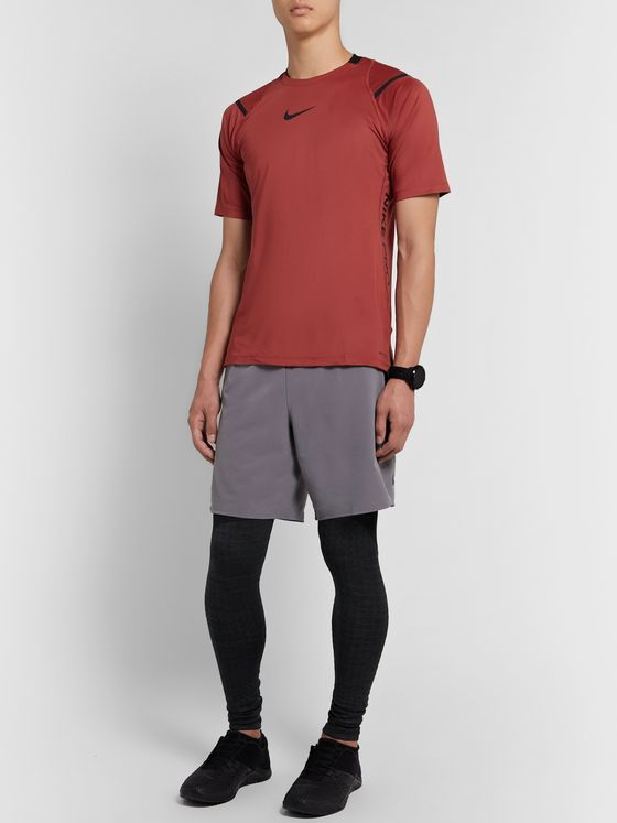 Nike Training Pro Mesh-Panelled AeroAdapt T-Shirt