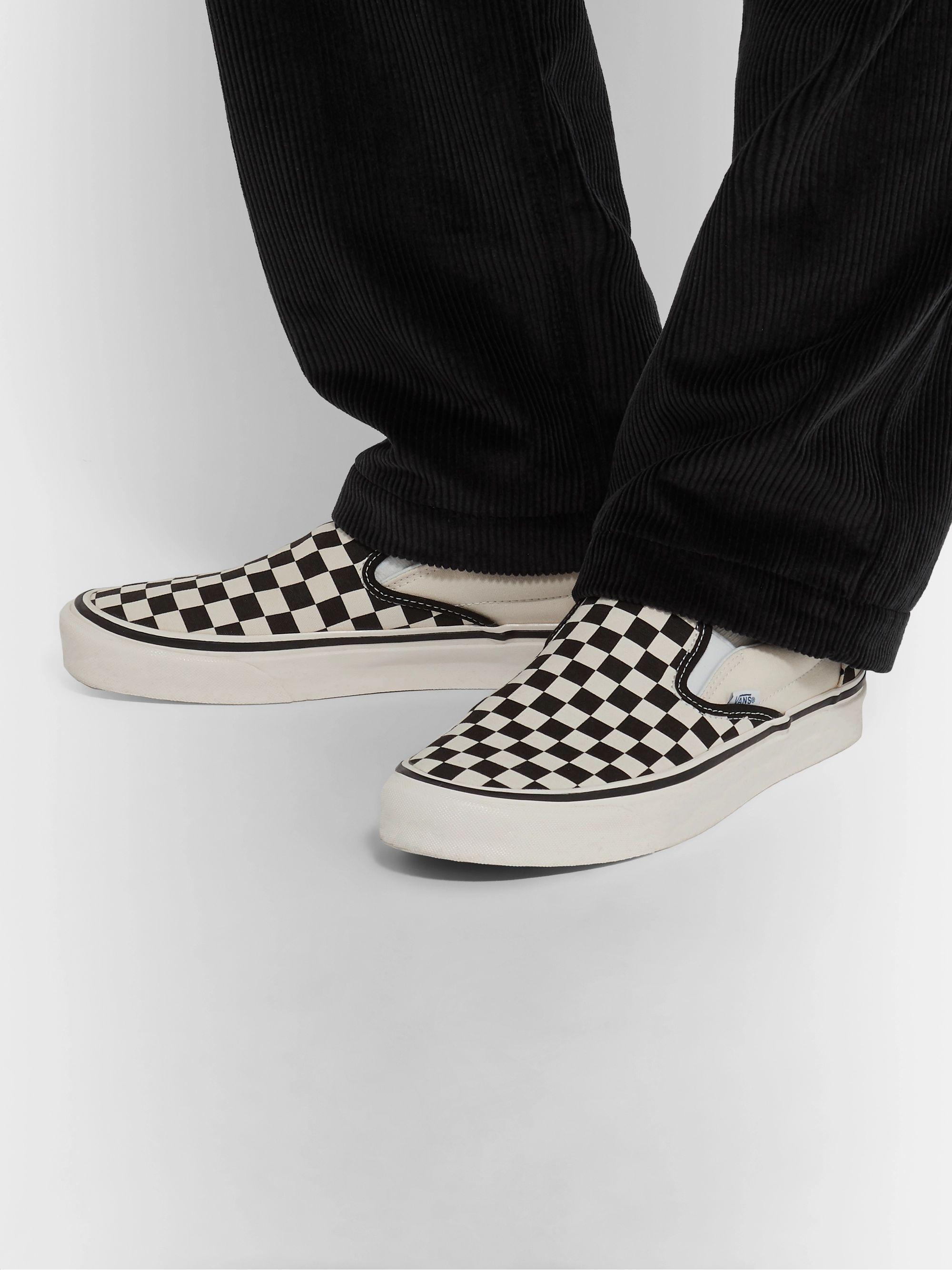 White UA Classic 98 DX Checkerboard