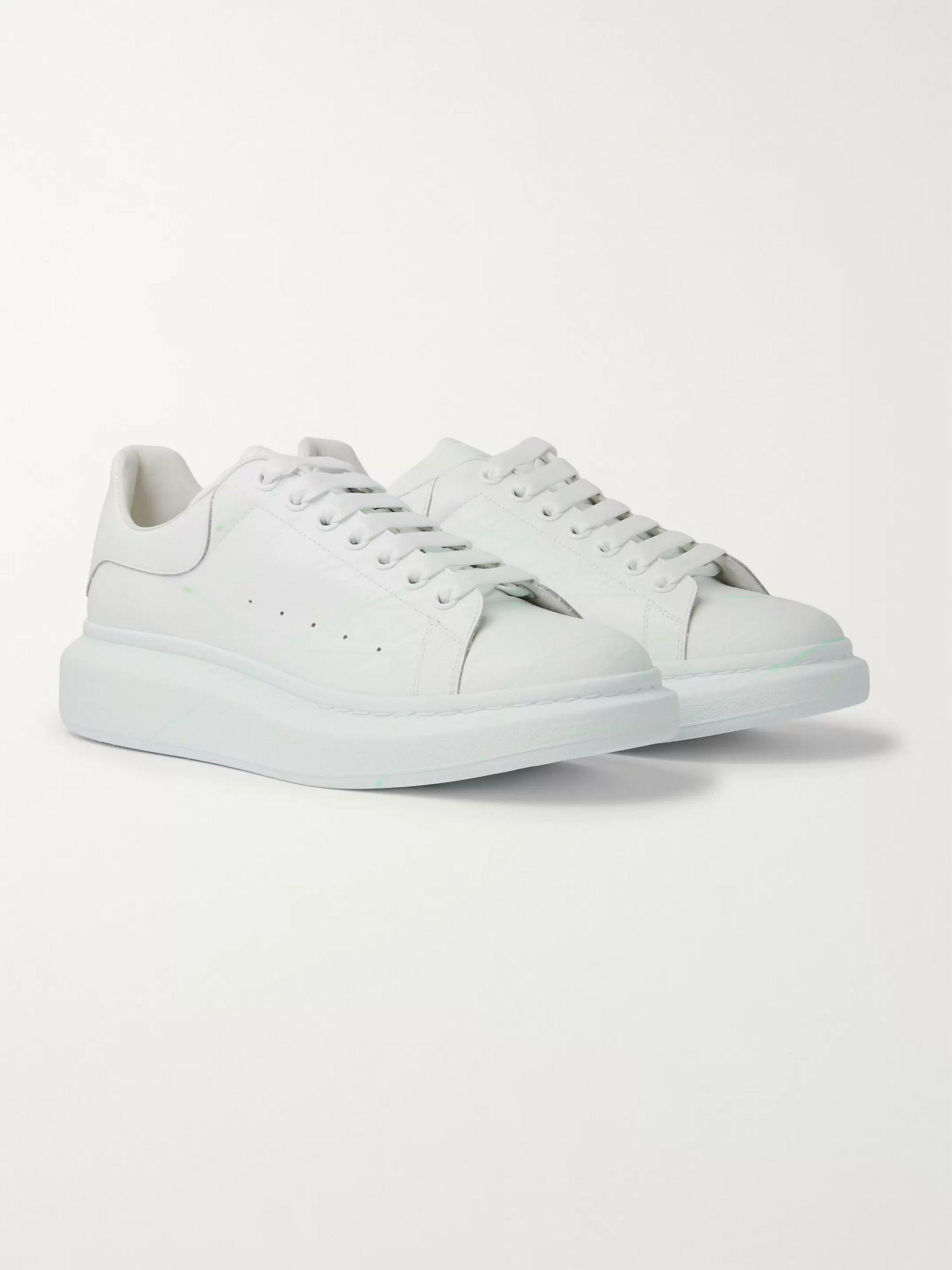 알렉산더 맥퀸 Alexander McQueen Glow-In-The-Dark Exaggerated-Sole Rubber-Trimmed Leather Sneakers,White