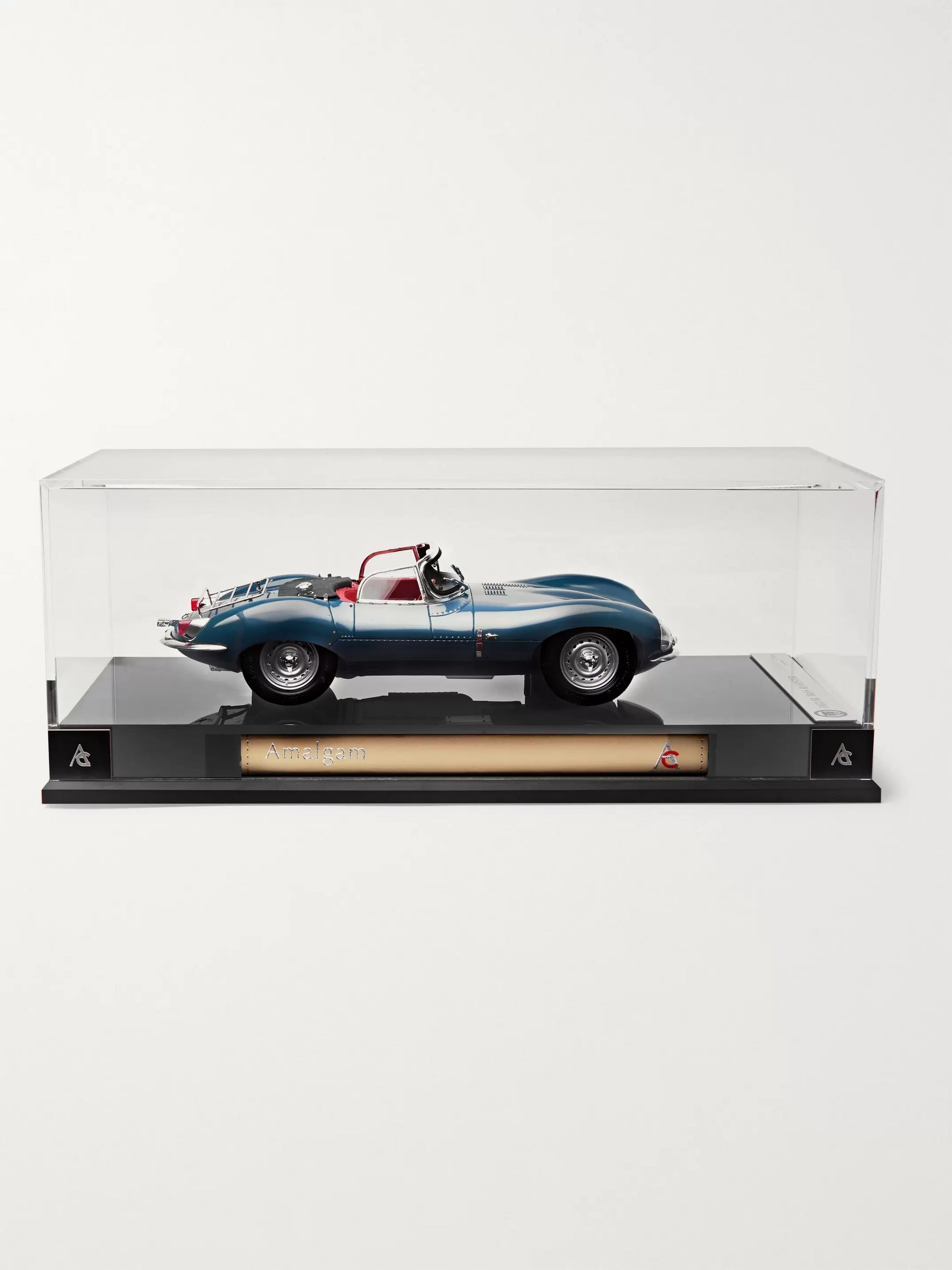 Amalgam Collection Jaguar XKSS 1:18 Model Car