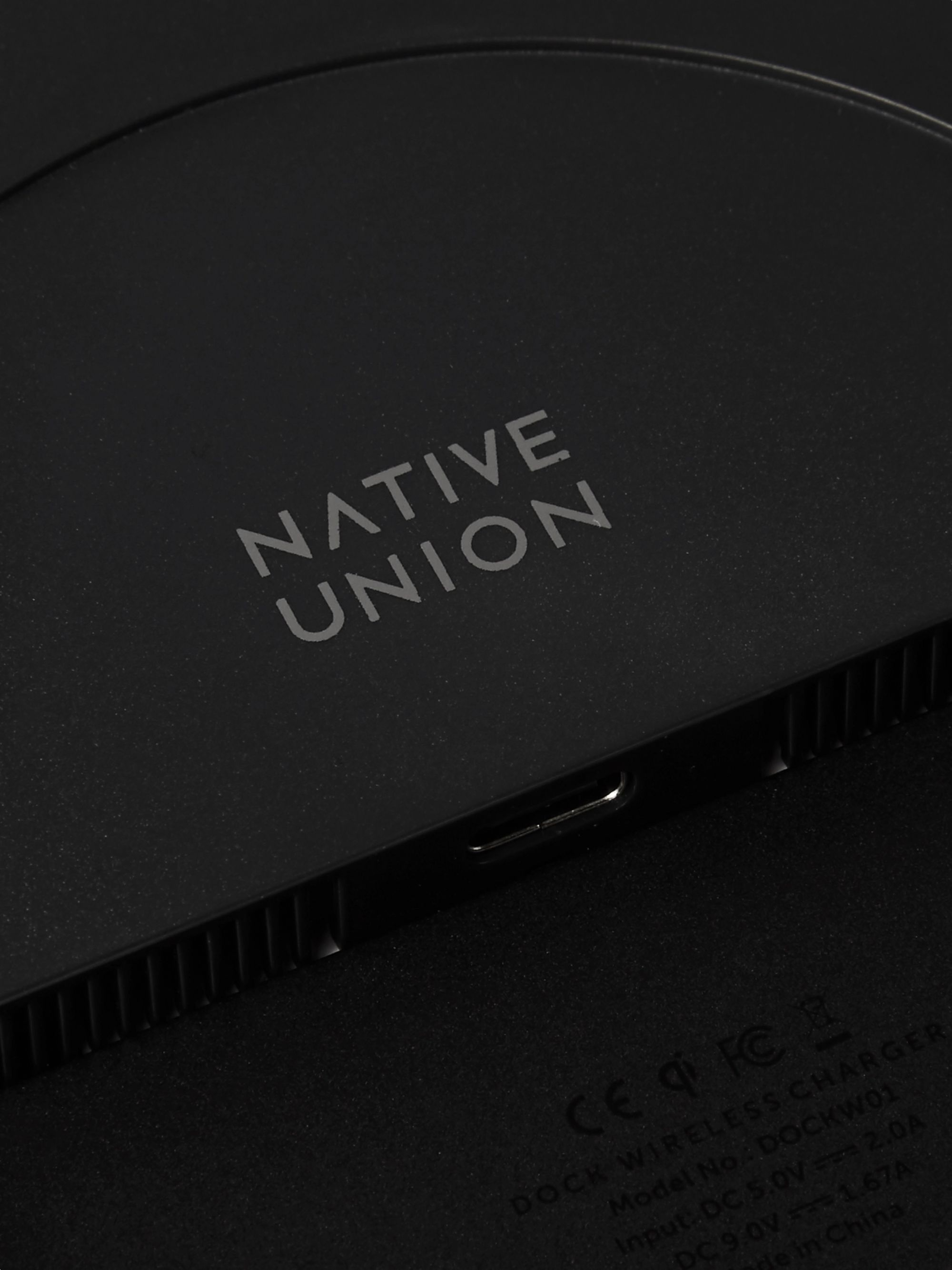 Native Union Jesmonite Terrazzo Dock Wireless Charger