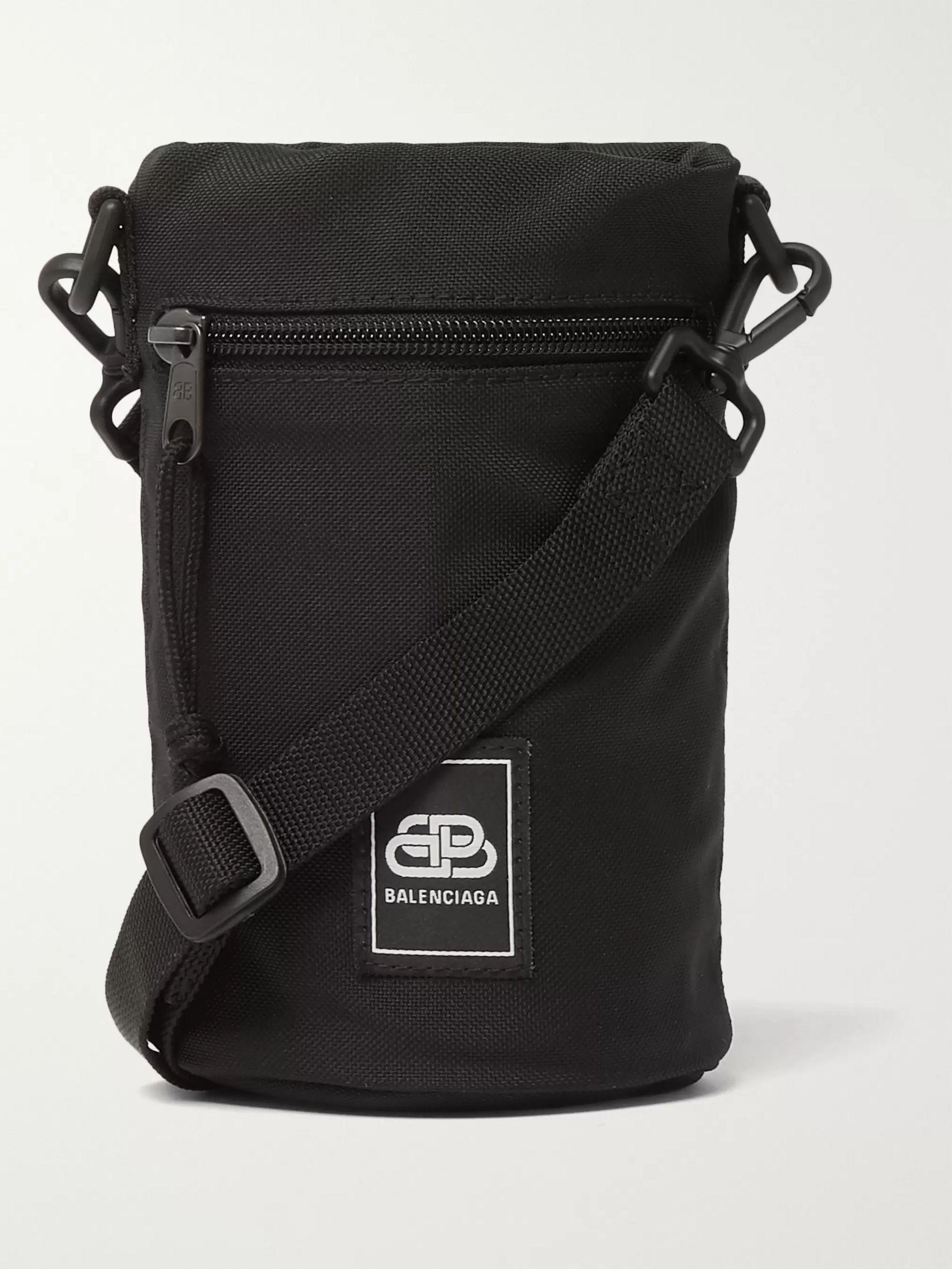 발렌시아가 Balenciaga Logo-Appliqued Canvas Water Bottle Pouch,Black