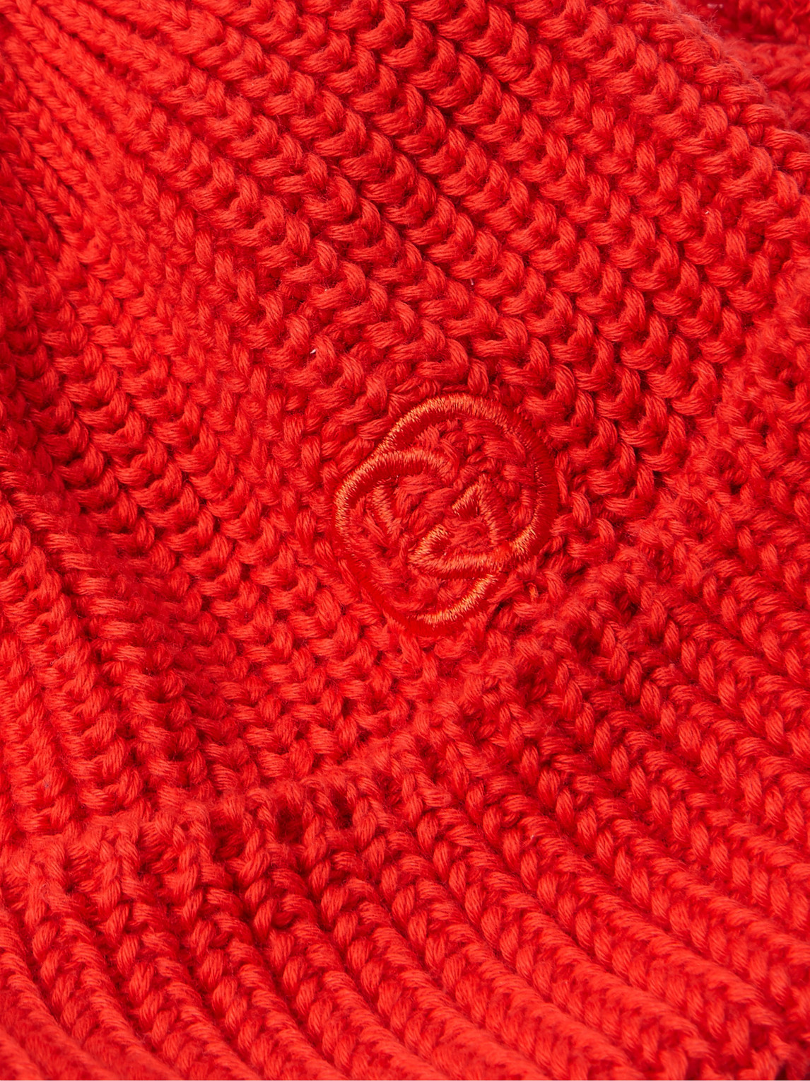Gucci Logo-embroidered Cable-knit Cotton Beanie In Red