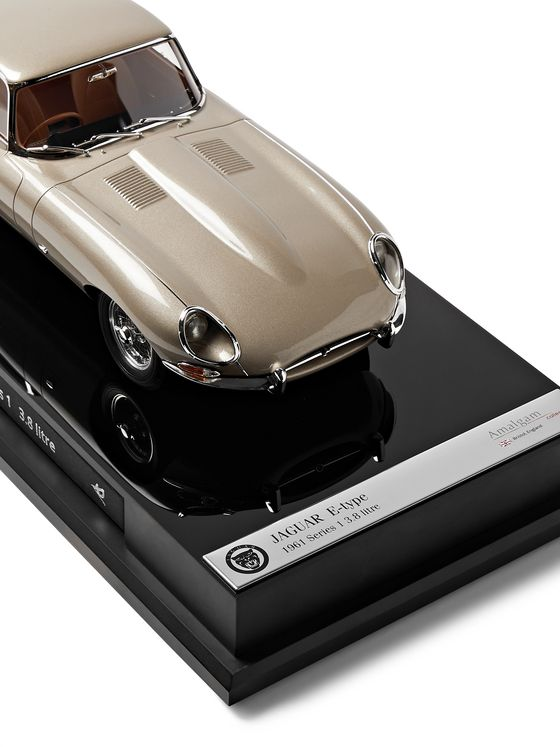 Amalgam Collection Jaguar E-Type Coupe 1:18 Model Car