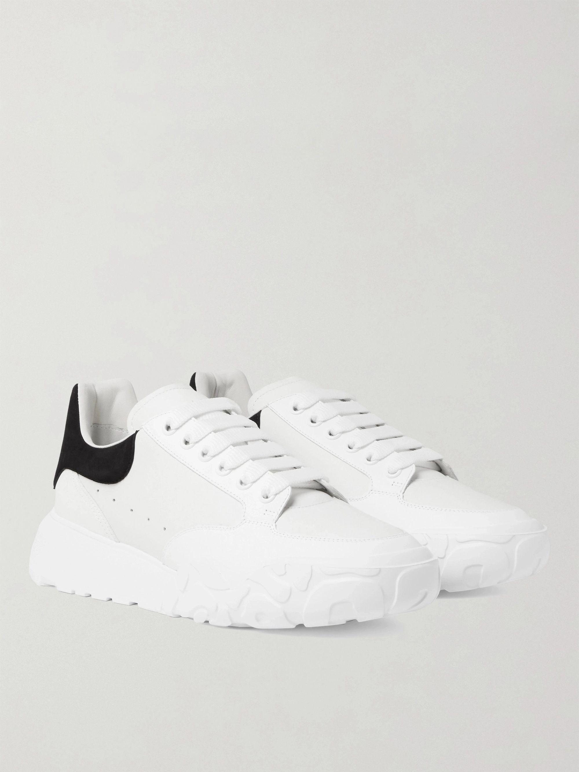 알렉산더 맥퀸 Alexander McQueen Exaggerated-Sole Suede-Trimmed Leather Sneakers,White