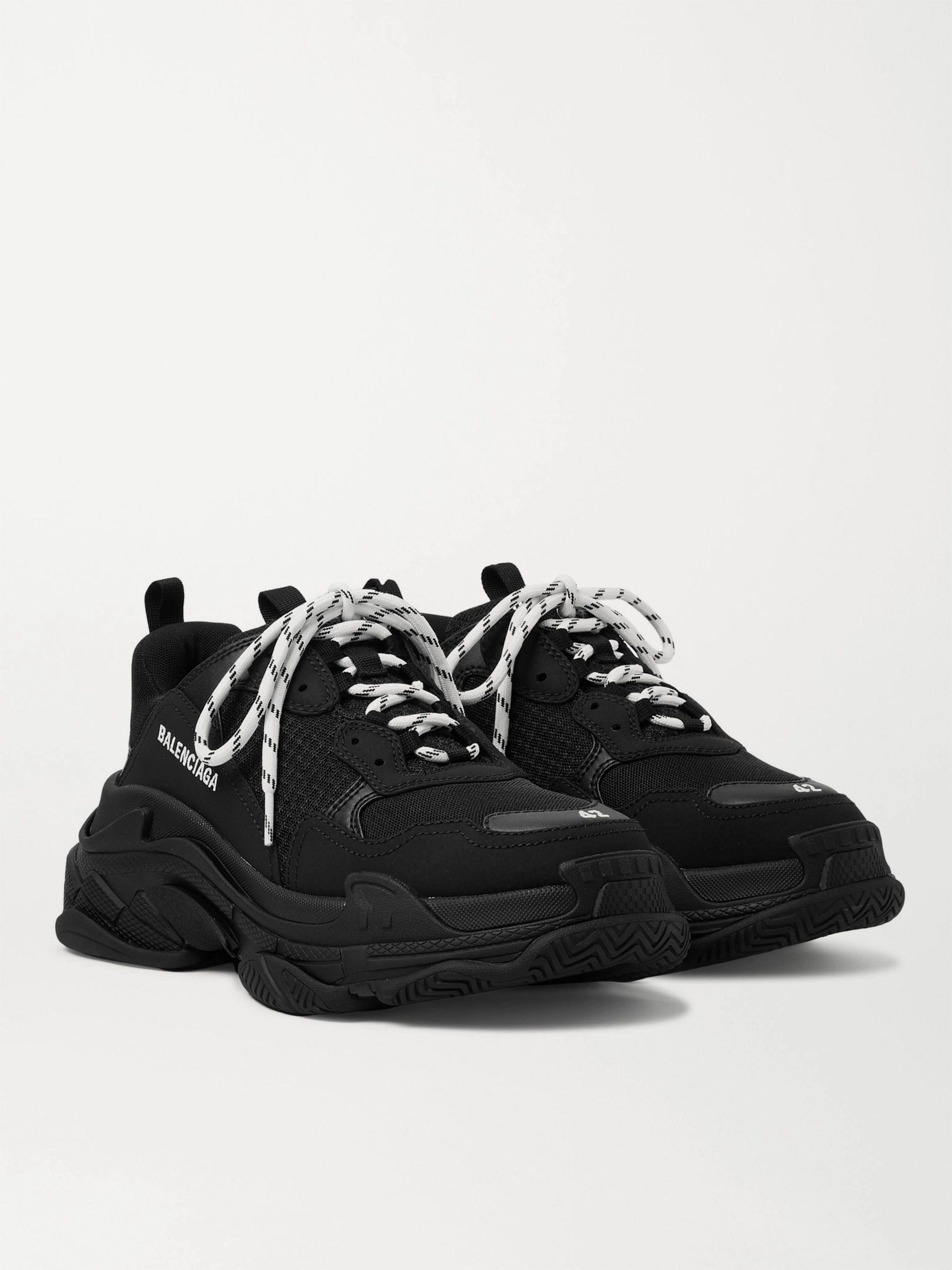 발렌시아가 20FW 트리플S 스니커즈 남성용 - 블랙 534217 W2CA1 1000 Balenciaga Triple S Mesh Nubuck and Leather Sneakers,Black