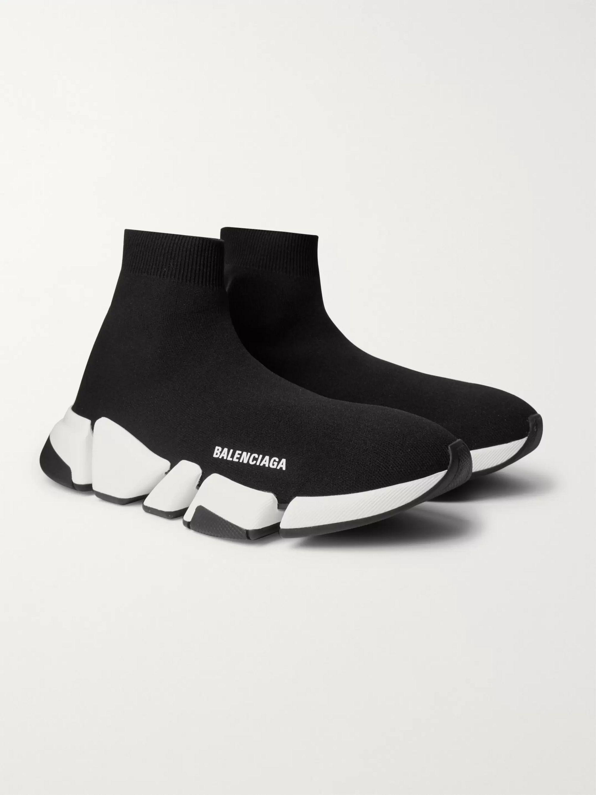 발렌시아가 스피드러너2 남성용 - 블랙/화이트 Balenciaga Speed 2.0 Logo-Print Stretch-Knit Slip-On Sneakers,Black