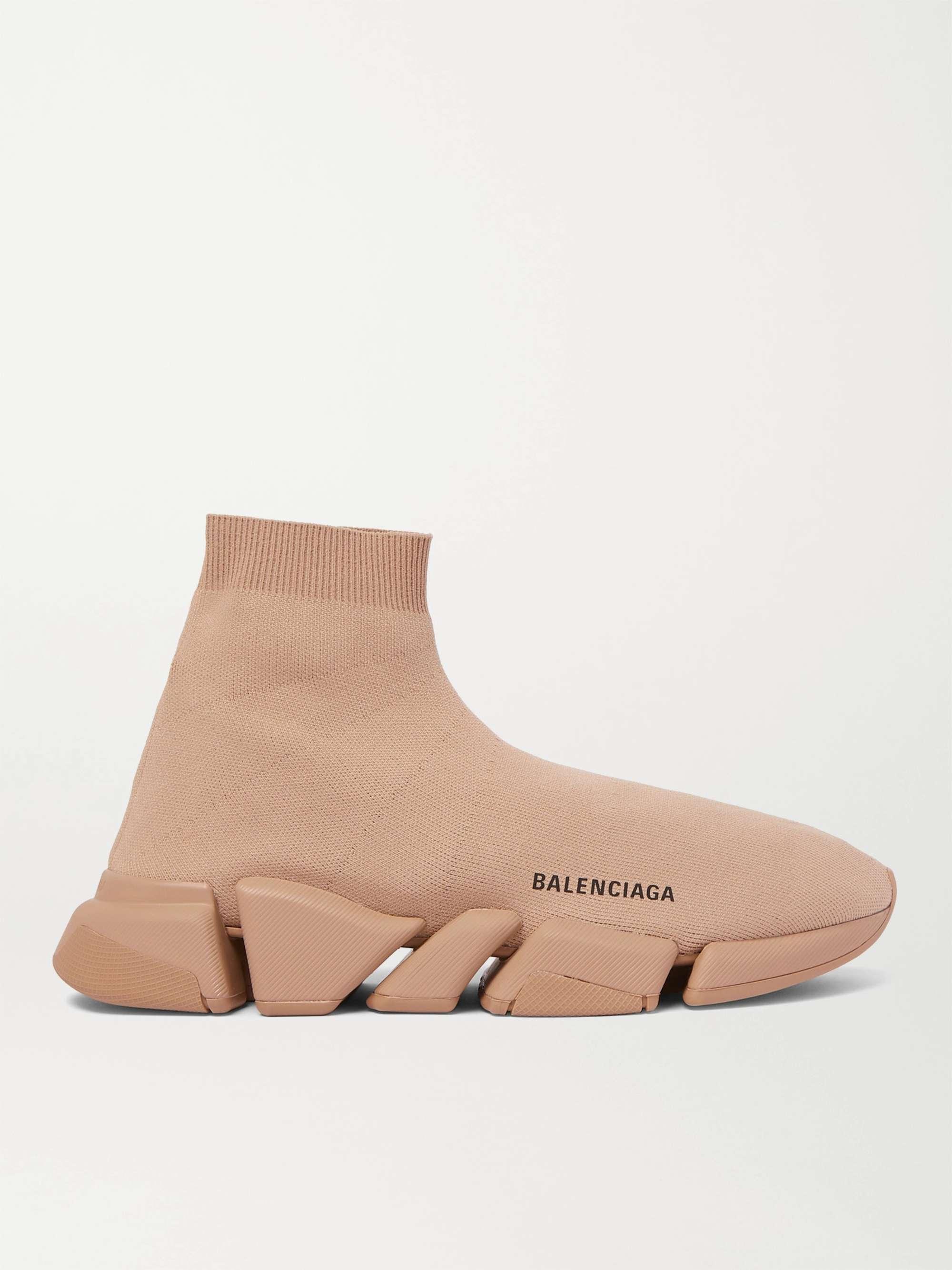 발렌시아가 스피드러너 2.0 남성용 - 베이지 Balenciaga Speed 2.0 Logo-Print Stretch-Knit Slip-On Sneakers,Beige