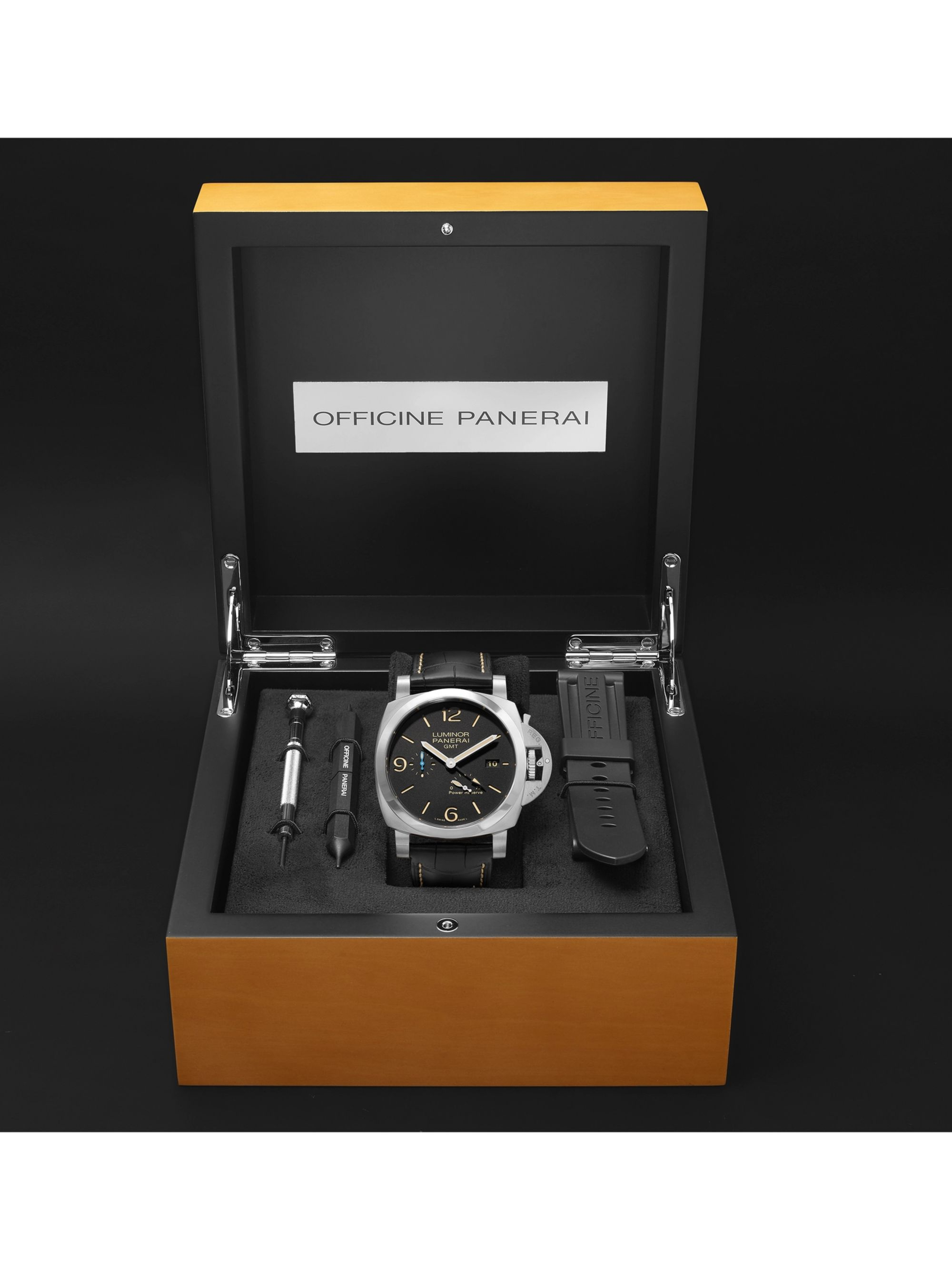 Panerai Luminor 1950 3 Days Acciaio Automatic 44mm Stainless Steel and Alligator Watch, Ref. No. PAM01321