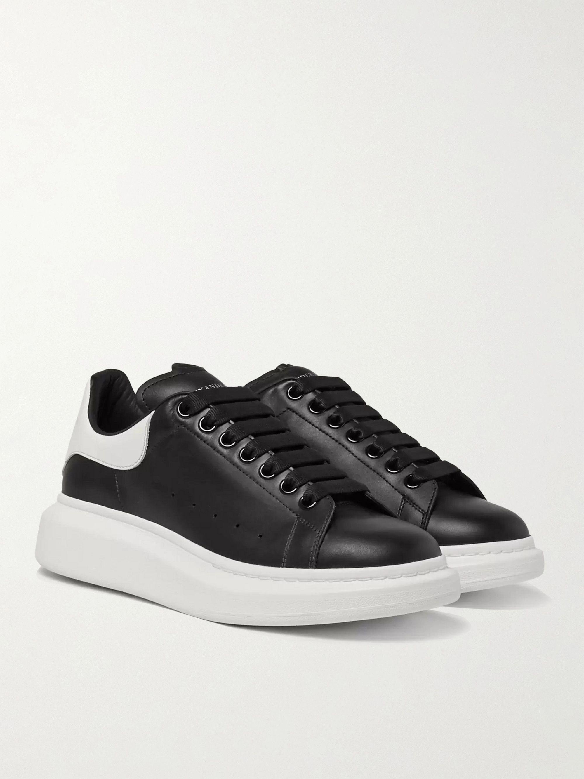 알렉산더 맥퀸 Alexander McQueen Exaggerated-Sole Leather Sneakers,Black