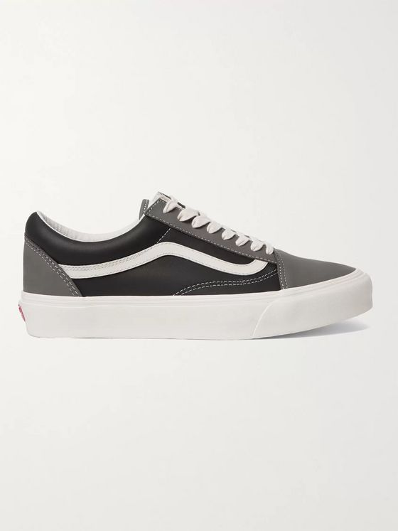 Vans UA Old Skool VLT LX Leather Sneakers