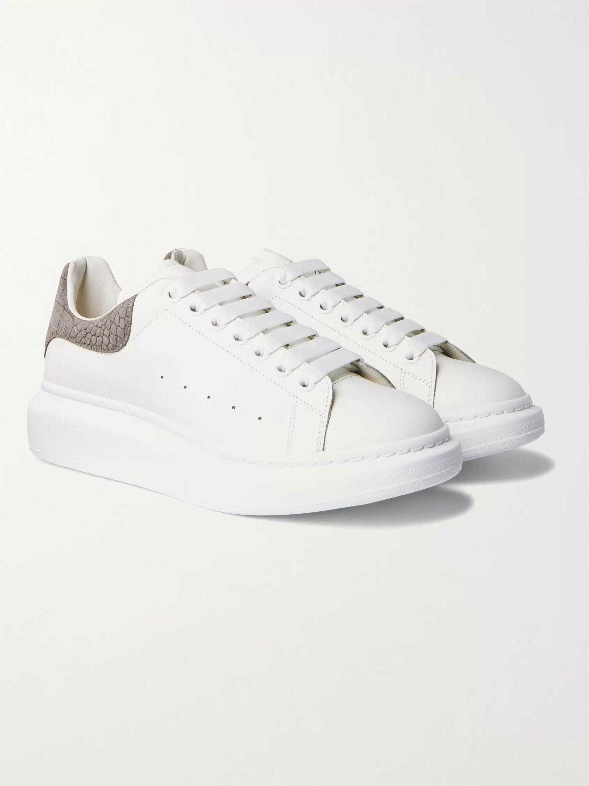 알렉산더 맥퀸 Alexander McQueen Exaggerated-Sole Croc Effect Suede-Trimmed Leather Sneakers,White