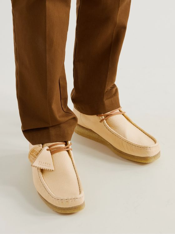 CLARKS ORIGINALS Wallabee Low Full-Grain Leather Desert Boots
