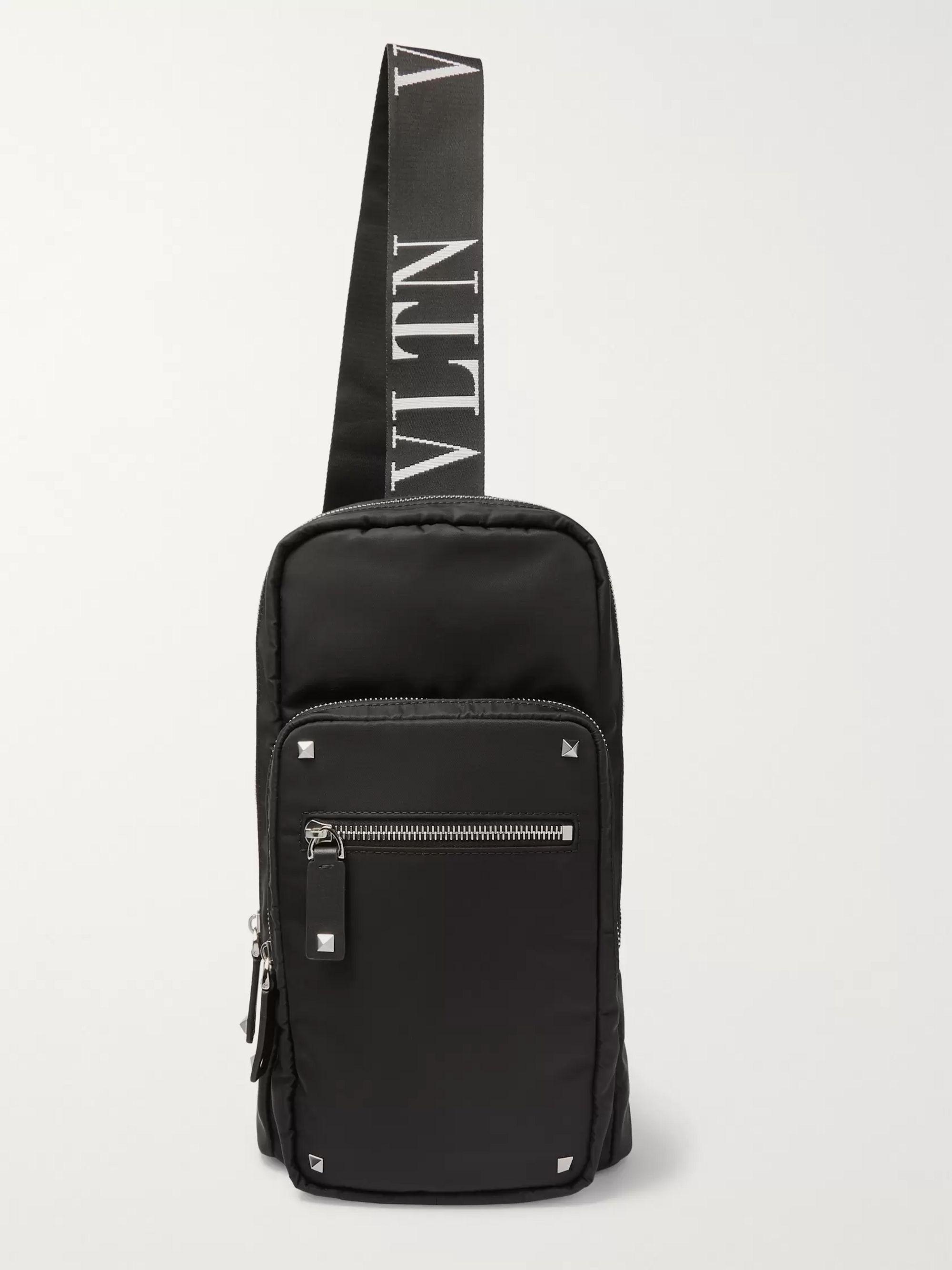 발렌티노 가라바니 슬링백 Valentino Garavani Leather-Trimmed Shell Sling Backpack,Black