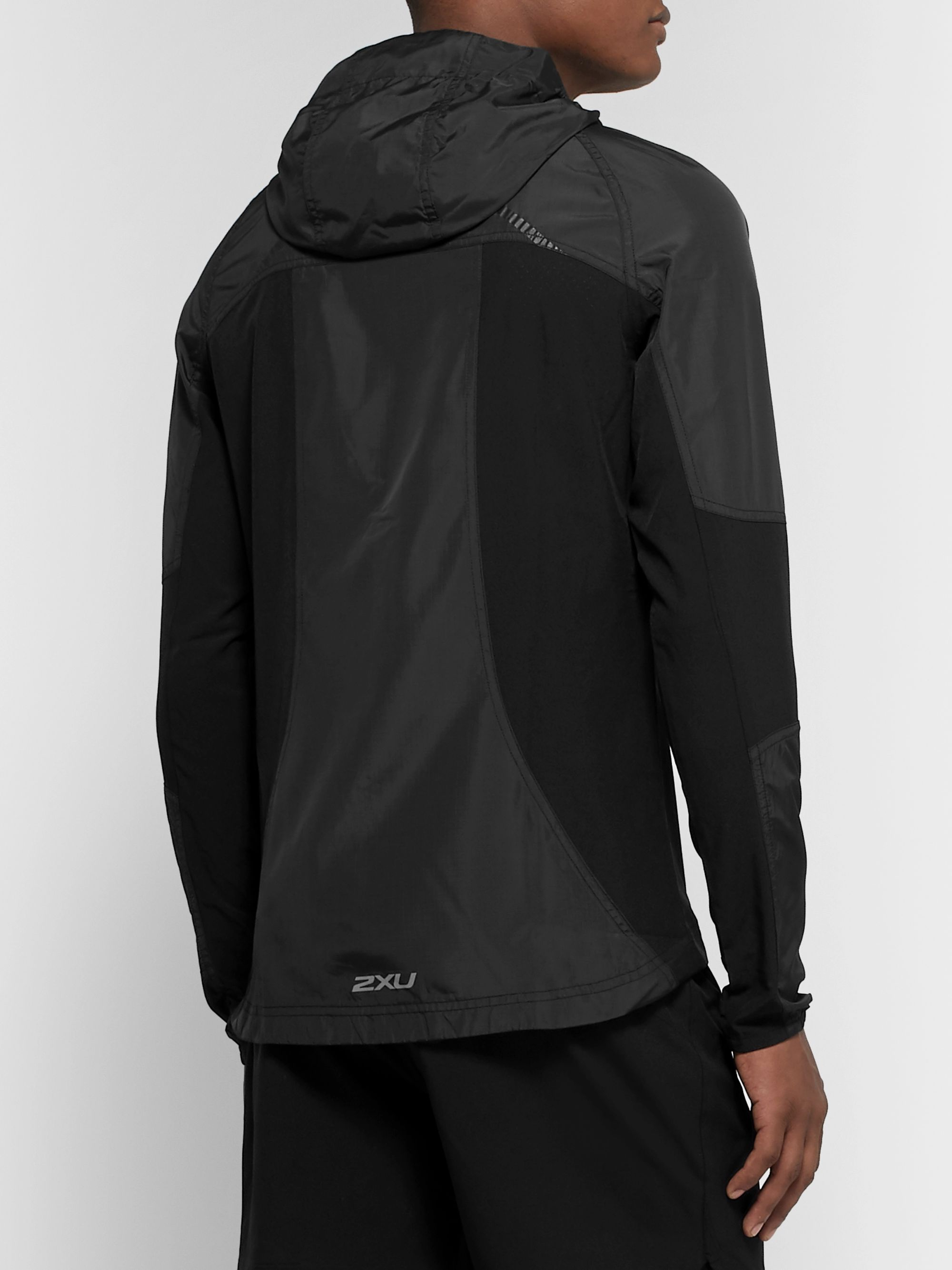 2XU XVENT Shell and Mesh Hooded Jacket